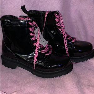 Cherokee black boots